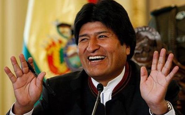 Президент Боливии стал игроком местной футбольной команды