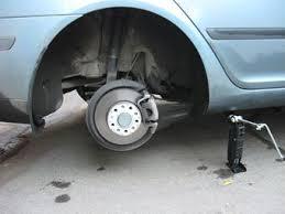 В Тамбове поймали любителей «разувать» автомобили