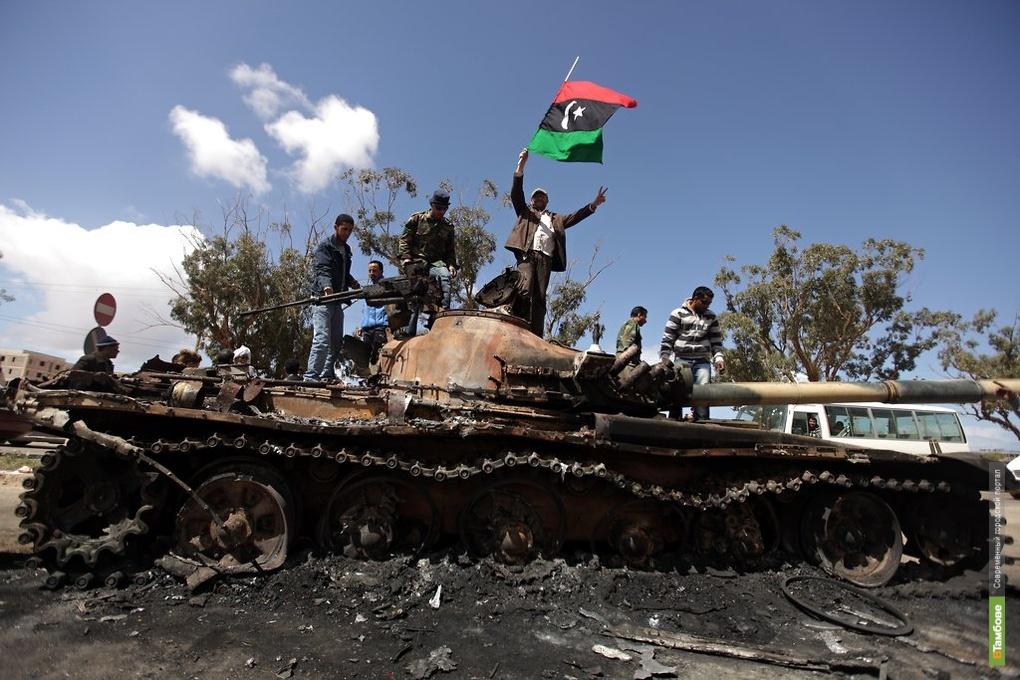 Каддафи готов обсудить передачу власти в Ливии