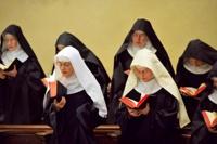 Монахинь посадят на контрацептивы