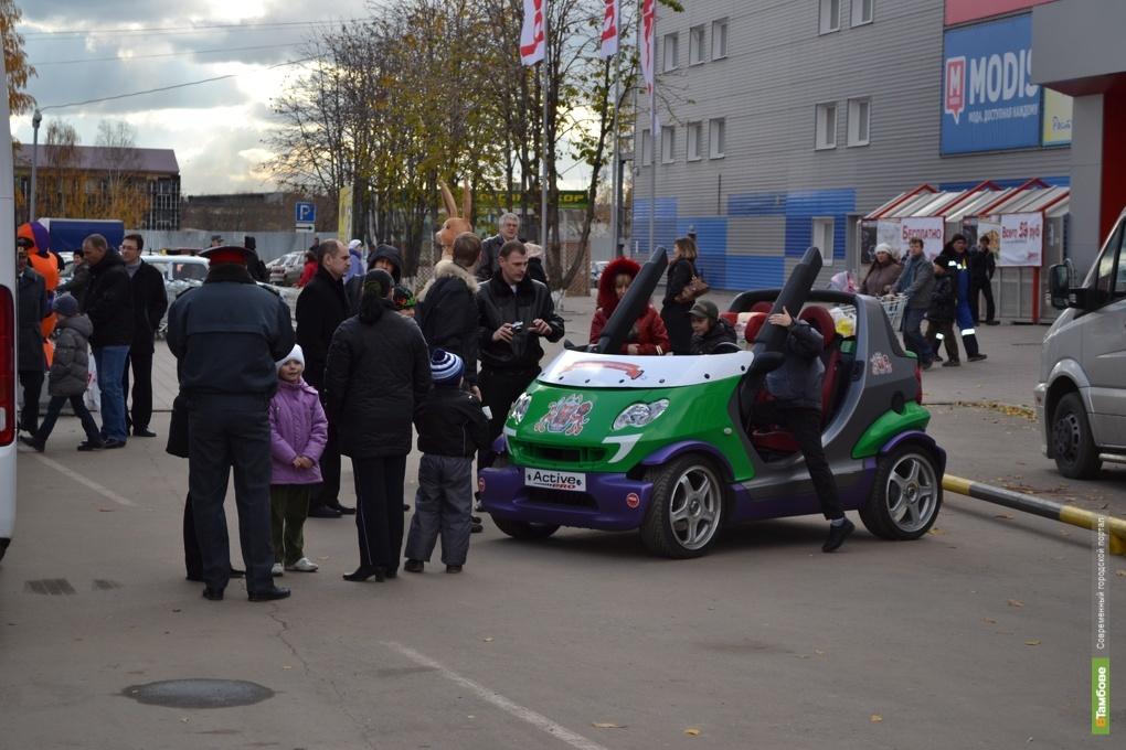 Автоинспекторы убедили тамбовчан в пользе детских кресел