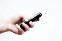 Медведев своей подписью отменил «мобильное рабство»