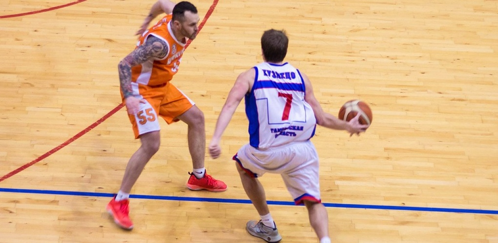 Тамбовские баскетболисты выиграли у ярославского «Буревестника»