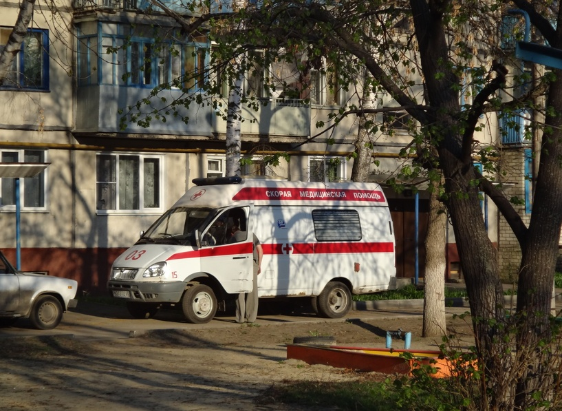 В Староюрьевском районе школьница угодила под машину