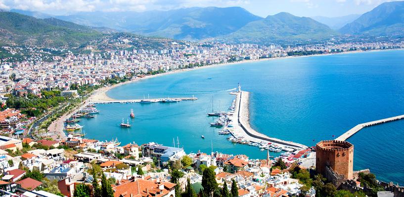 Самым популярным направлением для россиян в бархатный сезон остаётся Турция