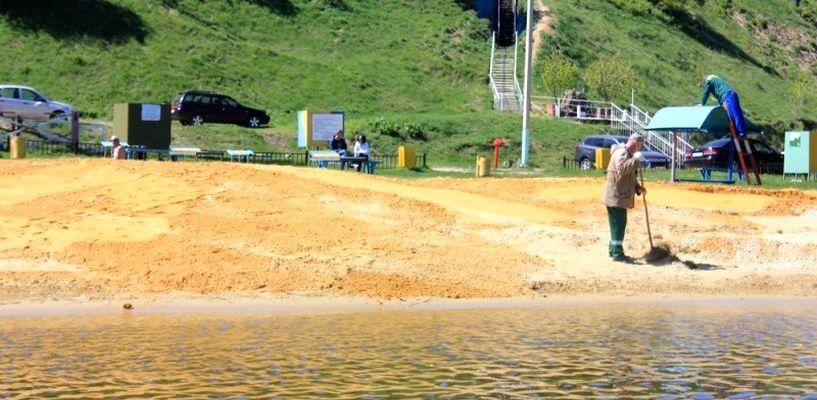 Волонтёры навели порядок на пляже Тамбовского моря