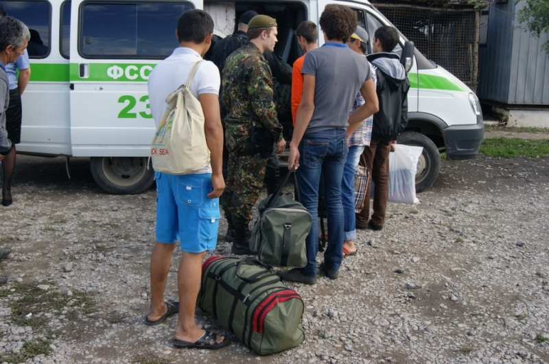 Из Тамбовской области на родину выдворили четверых мигрантов