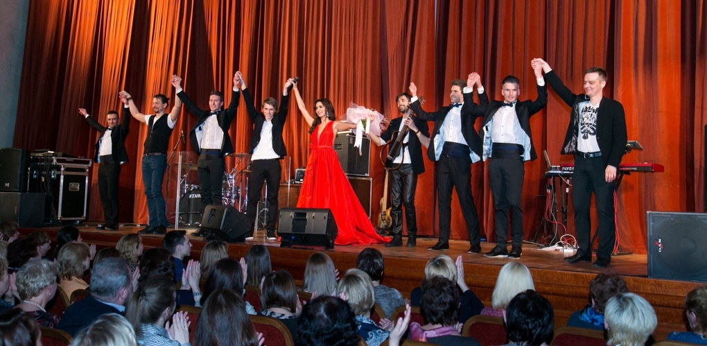 Певица Зара дала концерт в поддержку тамбовского детдома