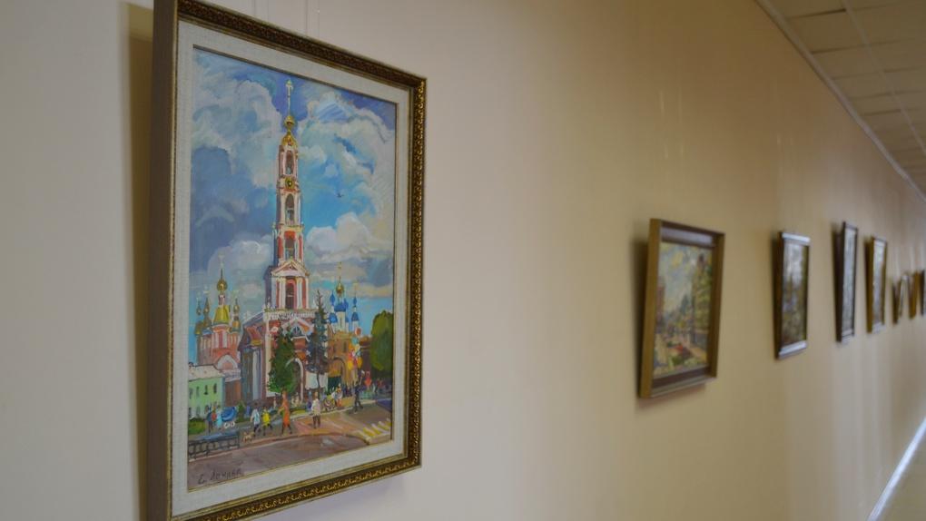 В Тамбовском филиале РАНХиГС открылась выставка картин молодой художницы