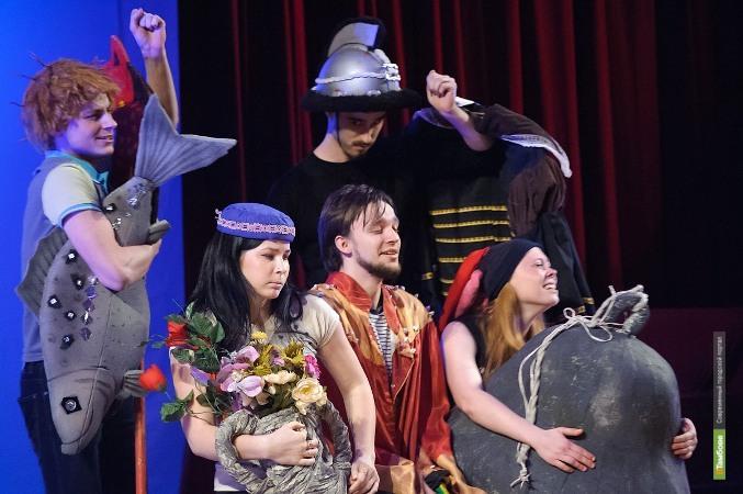 Студенты института культуры и искусств показали «Театр без сцены»