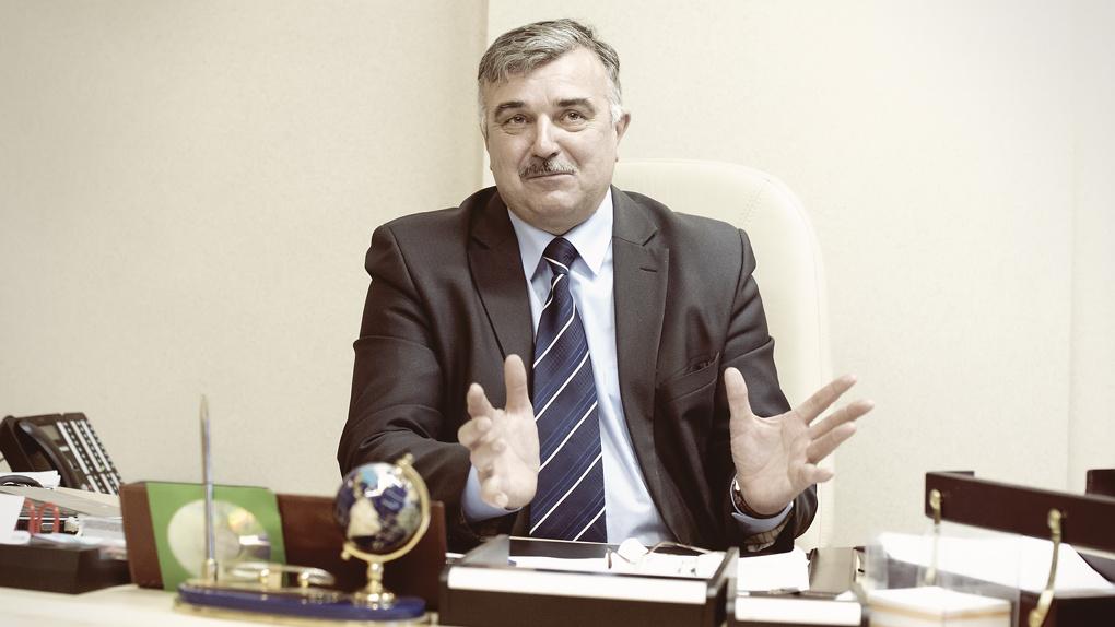 Начальник спортуправления получил нагрудный знак «Отличник физической культуры и спорта»