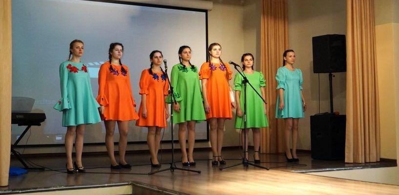 В Молодёжном театре состоится гала-концерт фестиваля патриотической песни