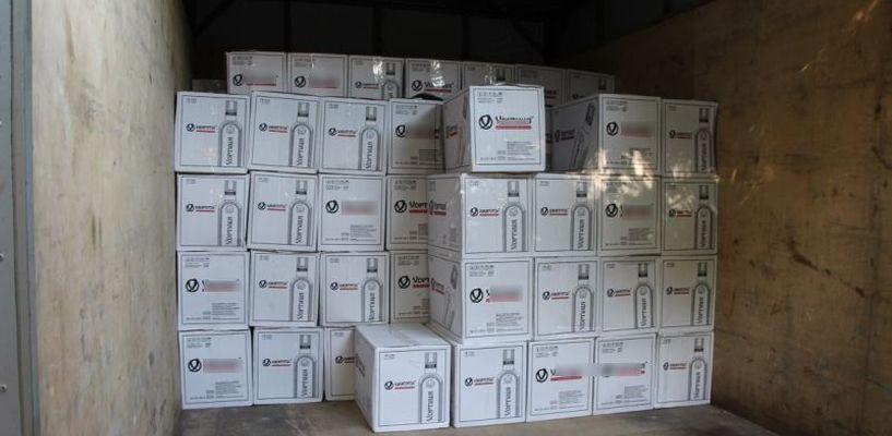 Почти 9 тысяч бутылок контрафактного алкоголя изъяли полицейские из тамбовских гаражей