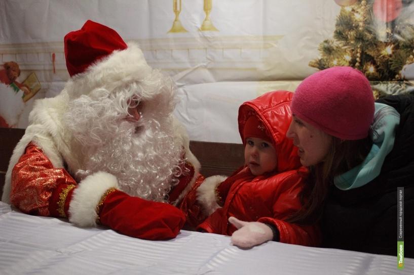 Избушка Деда Мороза распахнула двери для маленьких тамбовчан