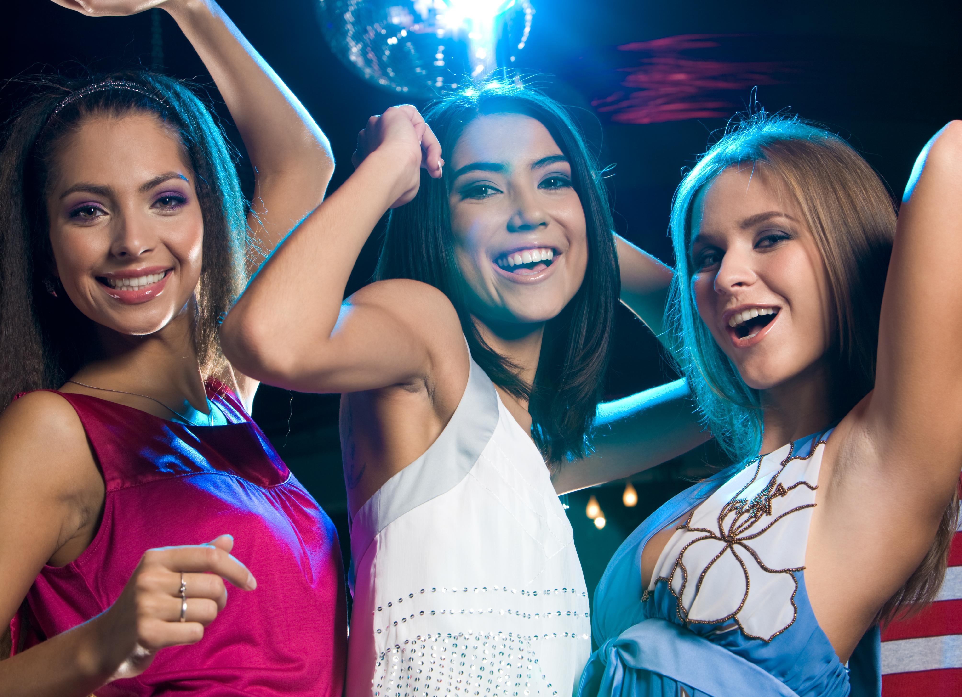 Девушки на московских дискотеках