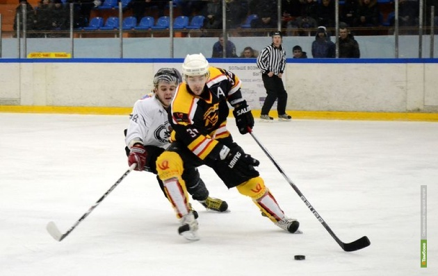 Тамбовские хоккеисты проиграли «сталеварам»
