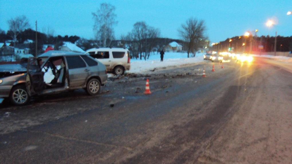 На Рассказовском шоссе столкнулись два автомобиля: есть погибший