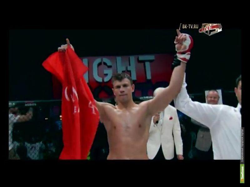 Тамбовский боец победил на «Битве под Москвой» бразильца