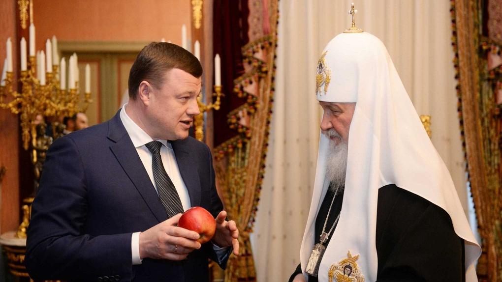 Подарил яблоки и старинную икону: губернатор Тамбовской области встретился с патриархом Кириллом