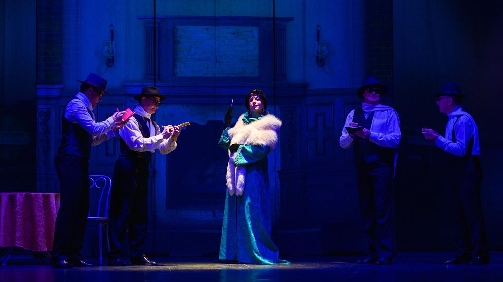 Оперетта «Красотка кабаре» на сцене драматического театра