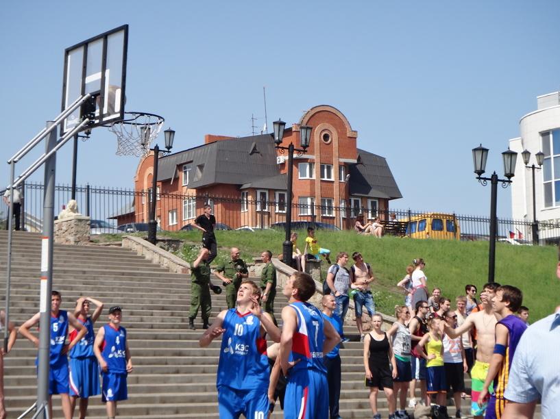 «Уличные» баскетболисты записали для тамбовчан видеоприглашение