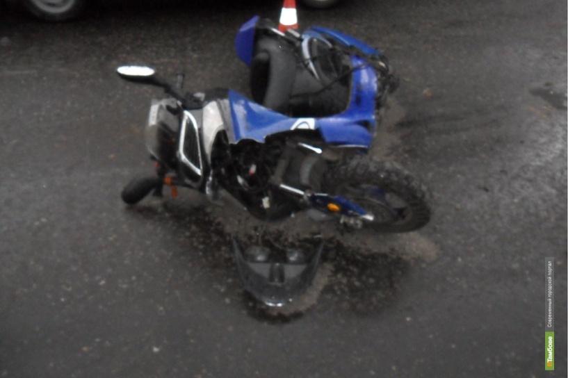 В Мичуринске автоледи на иномарке сбила скутериста