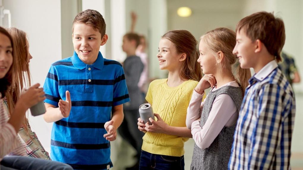 Последствия демографической ямы: в России заметно сократилось число школьников