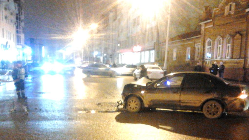 В центре Тамбова произошло ДТП с участием трёх машин