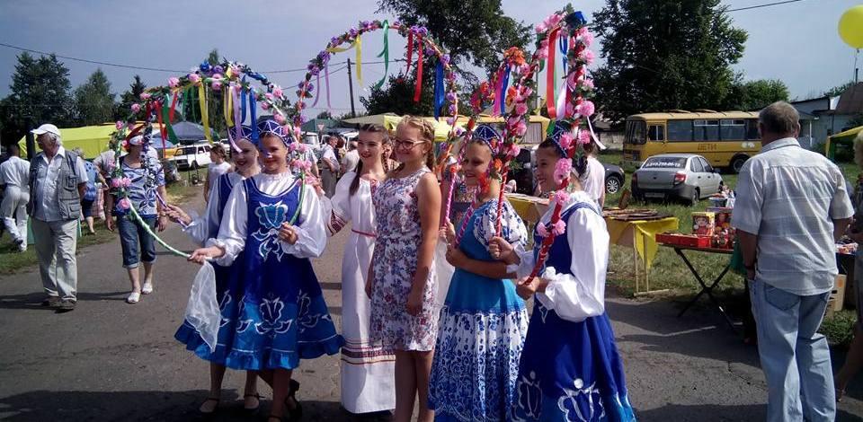 На празднике русского сарафана гостям показали 61 вид национального костюма