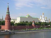 В Кремле не могут решить, что запретить чиновникам