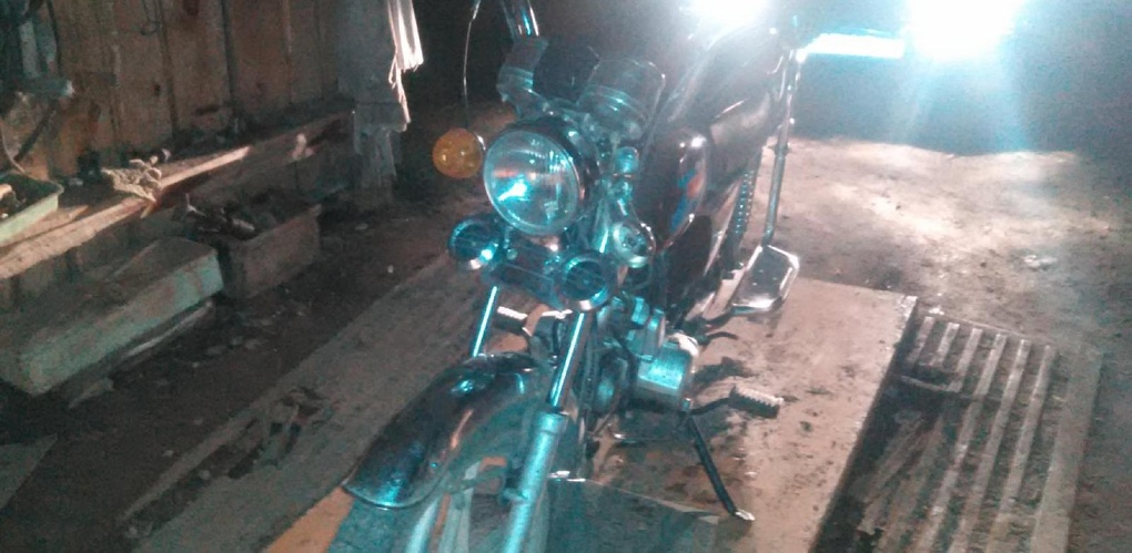 8-летний мальчик на велосипеде попал под колёса мопеда