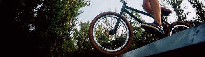 Как преодолевать препятствия на велосипеде?