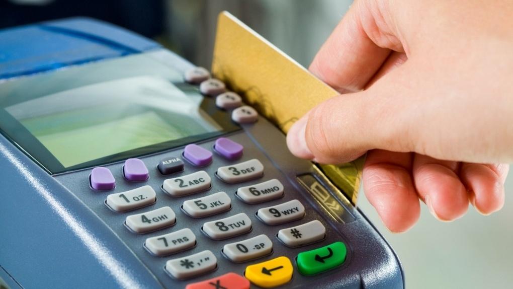 Банковские карты идут в ход: тамбовчане стали чаще использовать безналичный расчет при оплате покупок
