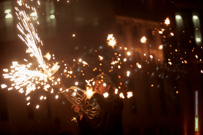 Тамбовские фаерщики «подожгли» трубу