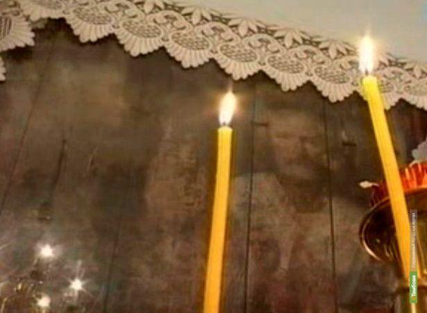 В тамбовском селе Яблоновец старая дверь сарая превратилась в икону