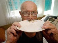 Сербский пенсионер не смог съесть велосипед: подавился педалью