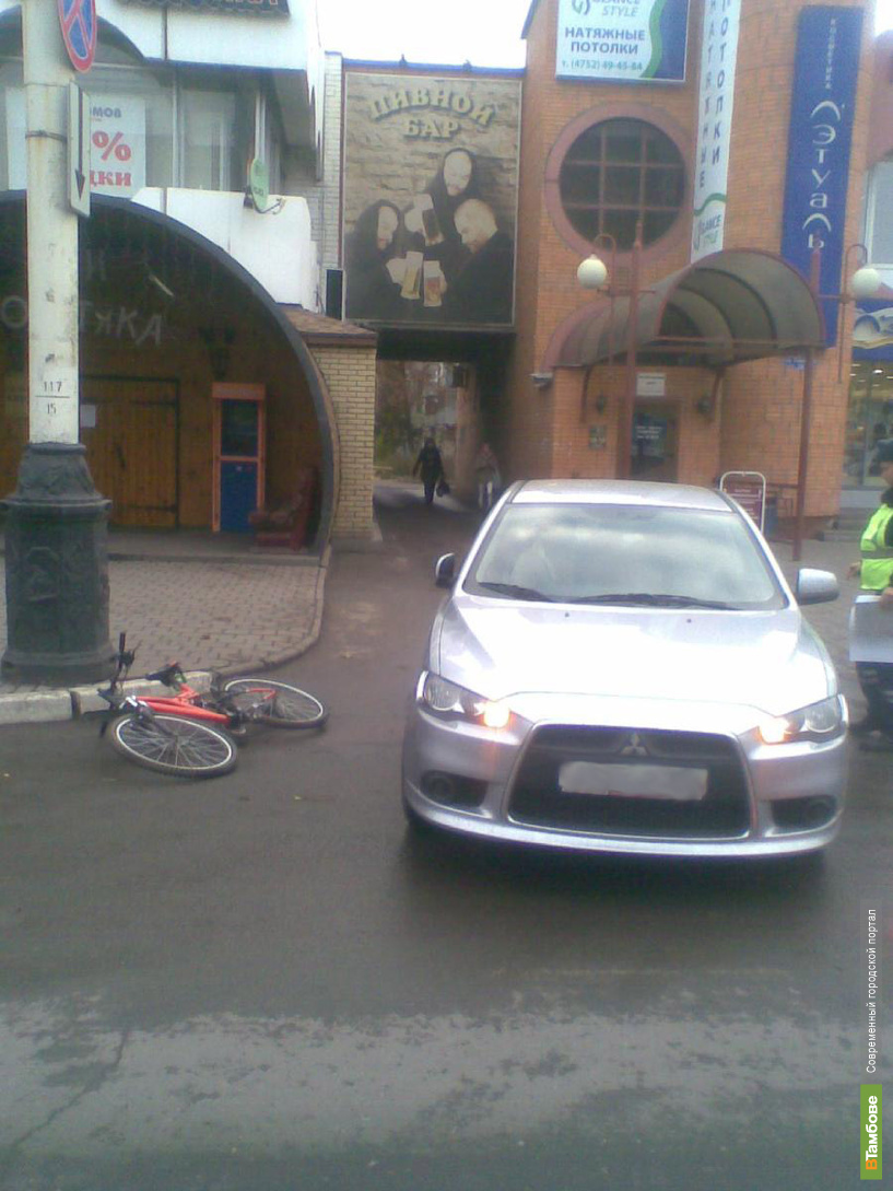 Велосипедист в Тамбове попал под колёса иномарки