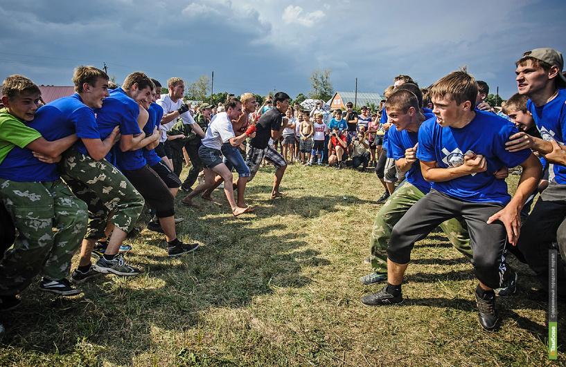 Недалеко от Сосновки прошли традиционные игры «Атмановские кулачки»