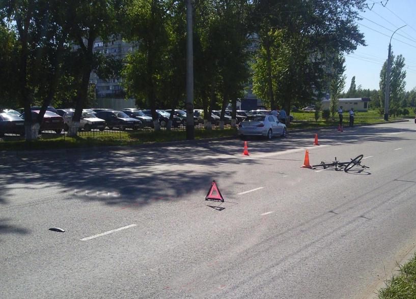 На Бастионной велосипед столкнулся с BMW