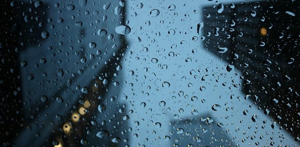 МЧС предупреждает: в области ожидается гроза и сильный ветер