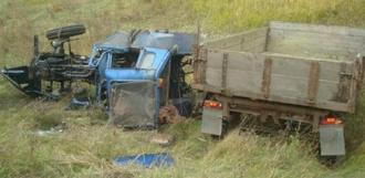 Уехал и не вернулся: в кабине перевёрнутого трактора нашли мёртвого водителя