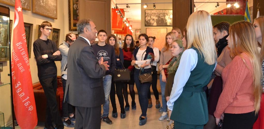 Первокурсники Тамбовского филиала РАНХиГС посетили Музейно-выставочный центр