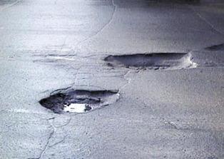 Тамбовские дорожники взялись за ямочный ремонт