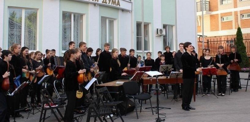 Площадка возле гордумы превратится в концертный зал под открытым небом