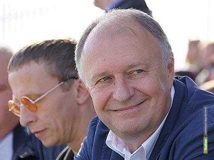 Алексей Плахотников сел в чиновничье кресло