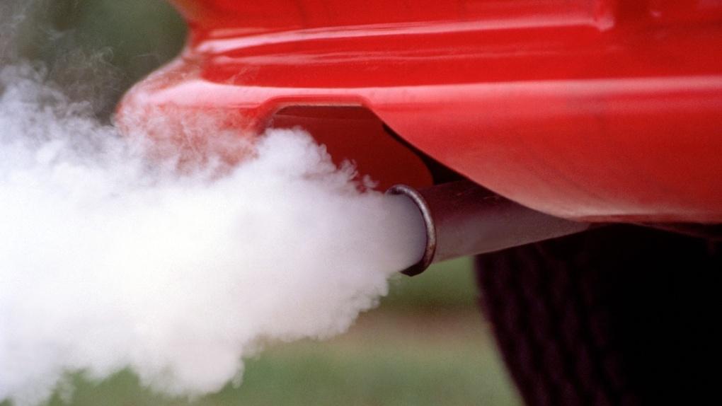 Поезд или самолёт? На южные курорты могут ограничить въезд авто с бензиновыми двигателями