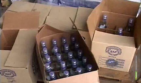 Тамбовские полицейские отобрали у торгаша «палёную водку»