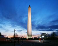 Монумент Джорджа Вашингтона потрескался