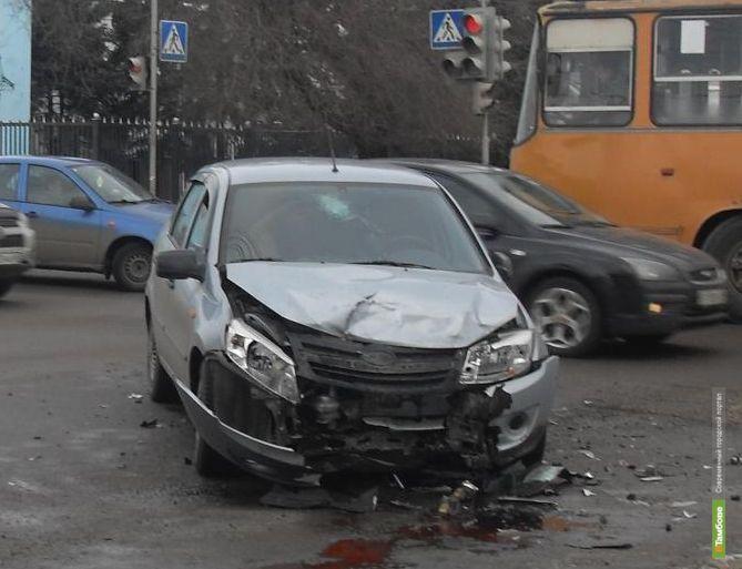 В Тамбове в автоаварии пострадали два человека