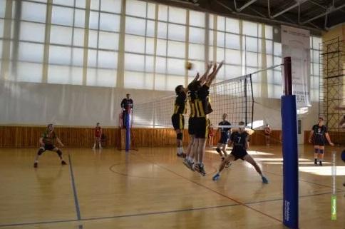 Тамбовские волейболисты «вылетели» из борьбы за медали